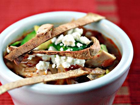 Sopa de lima (Mexican lime and tortilla soup)