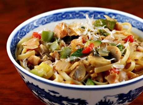 Pasta with clams and vegetables