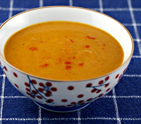 Coriander carrot soup