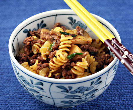 Rotini with spicy meat sauce