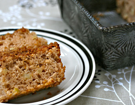 Cinnamon-apple coffee cake