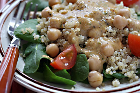 Chickpea, quinoa and spinach salad