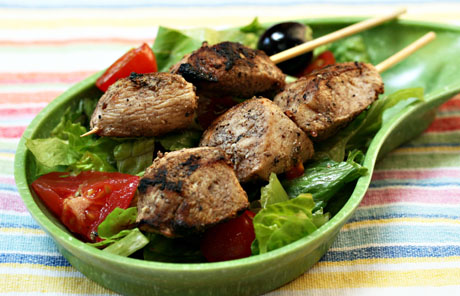 Shish taouk (garlic chicken on skewers)