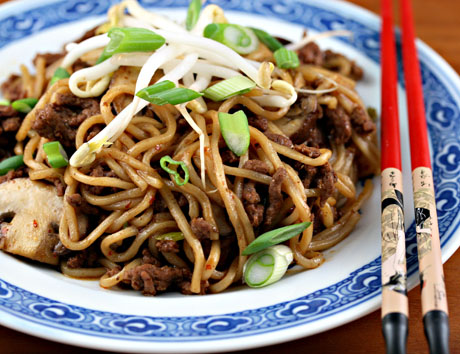 "Chinese ""spaghetti and meat sauce"""