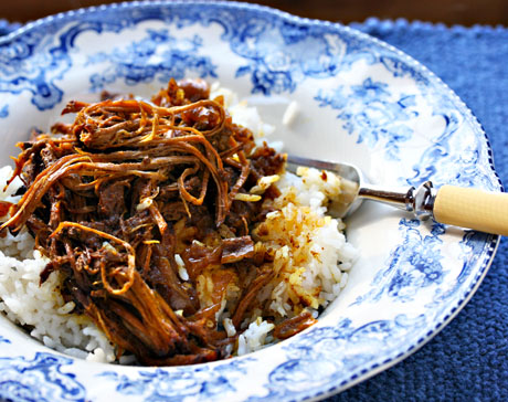 """Pakistani """"old clothes"""" beef curry, made in the slow cooker."""