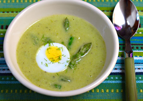 Asparagus, potato and herb soup