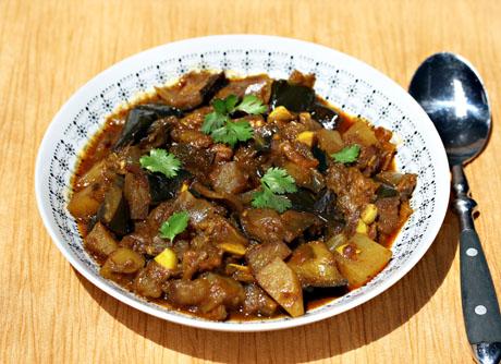 slow-cooker-Punjabi-eggplant-with-potatoes