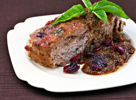 Turkey-meatloaf-fig-gravy