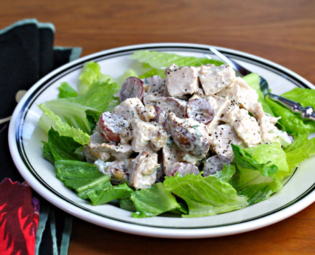 Turkey-salad-with-grapes-and-walnuts-1
