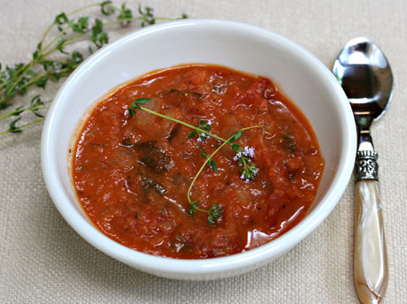 Slow cooker tomato and herb soup