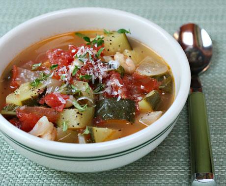 Tomato-zucchini-white-bean-and-basil-soup