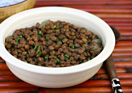 Vegan and gluten-free, these slow cooker Indian-spiced lentils are ...