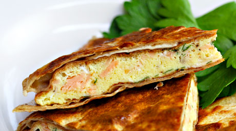 Breakfast-quesadilla-with-smoked-salmon-and-brie-detail