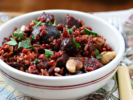 Red-rice-salad-with-roasted-beets-sun-dried-tomatoes-cherries-and-nuts-1