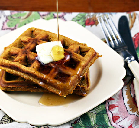 Gingerbread-waffles-pour