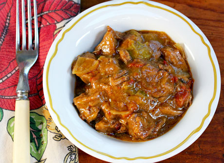 Slow-cooked-beef-and-green-chile-stew