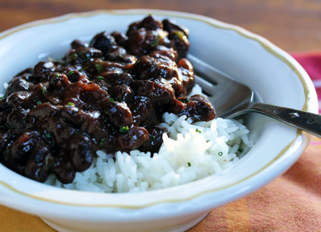 Slow-cooker-puerto-rican-black-beans-with-sofrito-and-cilantro-detail