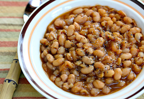 Slow-cooker-vegetarian-baked-beans-detail