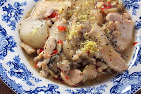 Slow-cooker-lemon-garlic-chicken-and-white-bean-stew-detail