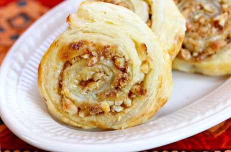 Brown-sugar-and-walnut-puff-pastry-swirls