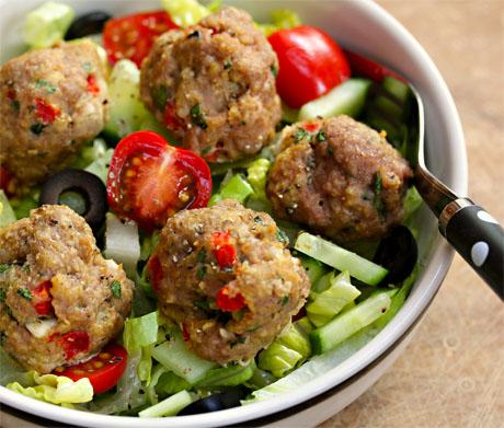 Greek-red-pepper-and-feta-turkey-meatball-salad
