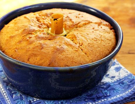 Lornas-sour-cream-cake-bundt-pan