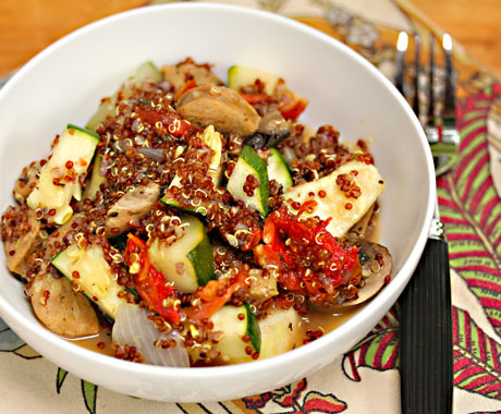 Slow-cooker-quinoa-with-zucchini-mushrooms-and chicken-sausage-1