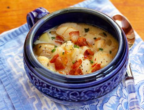 Scallop-bacon-and-potato-chowder