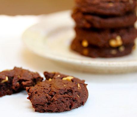 Chocolate Nutella nut cookies.