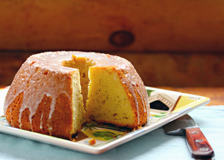 An easy lemon poppyseed cake, with lemonade in the glaze.