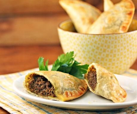 easy jamaican meat patties how to freeze jamaican beef patties ehow uk ...