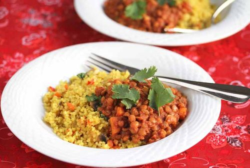 Easy crockpot lentil chili for Meatless Monday, from Jeanette's Healthy Living (on Soup Chick).