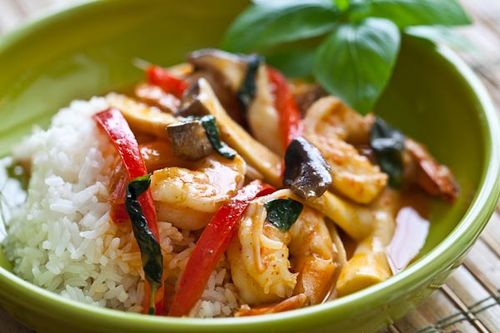Quick and easy 10-minute shrimp and mushroom Thai curry (on Soup Chick).