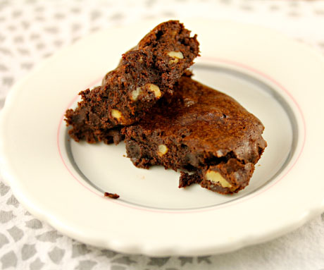 Whole wheat walnut cocoa brownies: no mixer necessary.