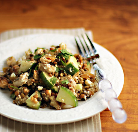 Lentils, chicken, raisins and feta: a meal in a bowl.