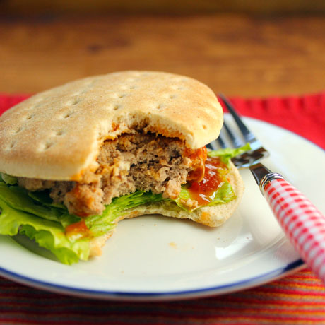 Turkey burgers with chipotle ketchup (The Perfect Pantry).