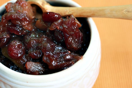 Dried cranberry and pear chutney, a delicious condiment.
