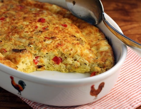 Egg casserole with leeks, red bell pepper and goat cheese.