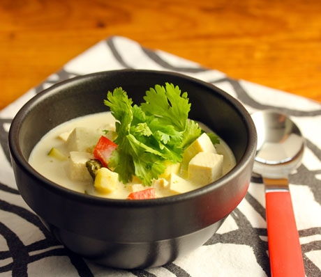 Quick and easy Thai green curry coconut soup (dairy free).
