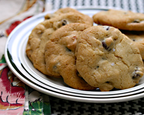 Sweet and salty peanut chocolate chunk cookies. #cookies