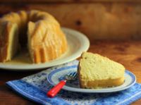 Orange-buttermilk-bundt-cake-sliced