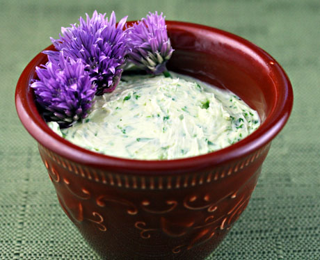 Chive and parsley butter. So versatile! #vegetarian