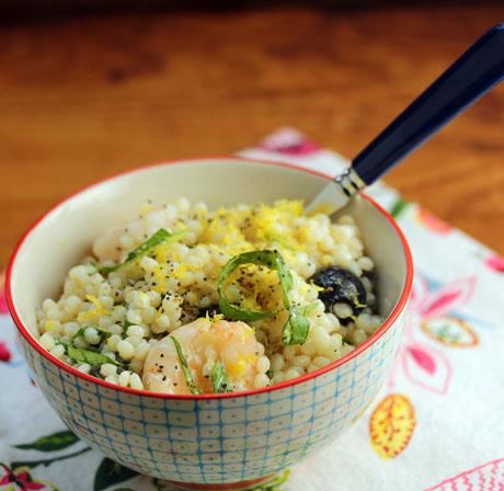 Greek shrimp, feta, lemon and basil salad recipe: all the wonderful flavors of Greece. #salad #couscous #shrimp