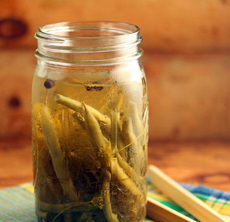 Dill pickled green beans, easy to make, great for snacks.
