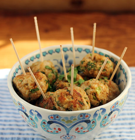 Spicy chicken balls, a great appetizer. #appetizer