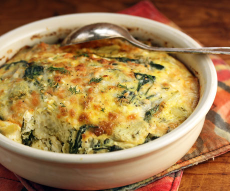 Greek spinach, artichoke and feta egg and cheese breakfast casserole (great for dinner, too!). #recipe #glutenfree