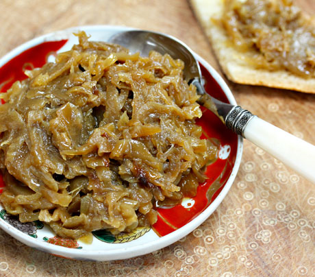 Slow cooker caramelized onions. #slowcooker #crockpot