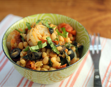 White beans, shrimp, basil, garlicky roasted tomatoes: comfort food! #glutenfree