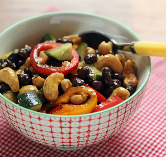 Black bean, vegetable and cashew salad with an Asian twist! Great for potluck, and #glutenfree.