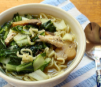 Chinese-chicken-noodle-soup-spoon-detail